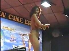 नंगे फुल सेक्सी हिंदी में सेक्सी गधा पैडलिंग