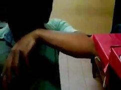सुनहरे बालों वाली माँ फुल सेक्सी हिंदी फिल्म सोफे पर बकवास